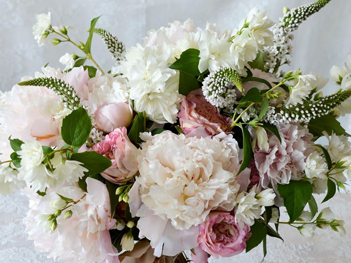 Красивые букеты цветов поздравление